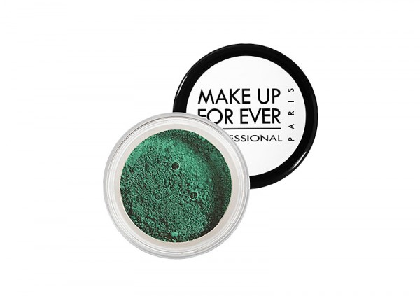 makeup in emerald Pantone's Color of 2013
