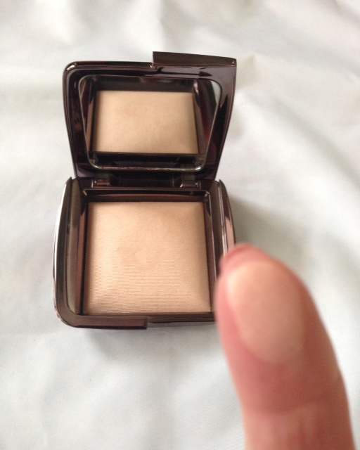 Hourglass Ambient Light Powder, Luminous Light