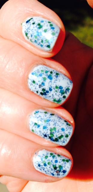 blue-sparkle-mani