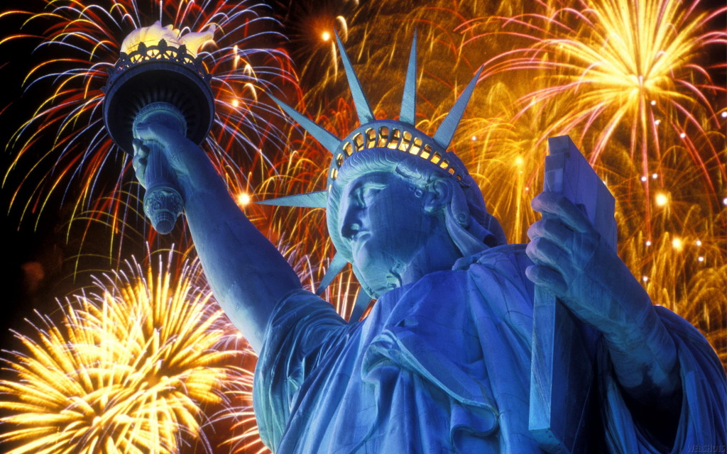 2013_07_4th-of-July-Fireworks-in-Statue-of-Liberty-HD-Wallpapers copy