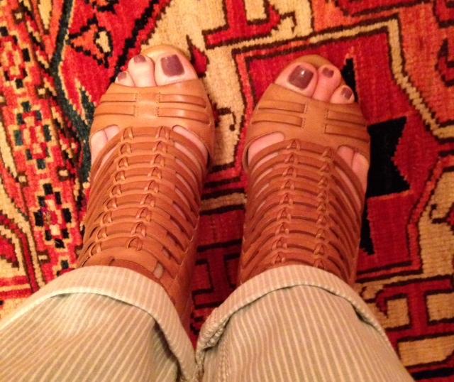 Vince-Camuto-sandal-top