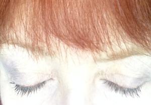 L'Oreal-Intenza-mascara-closed-eyes
