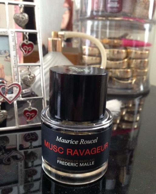 Musc-Ravageur-perfume-vanity
