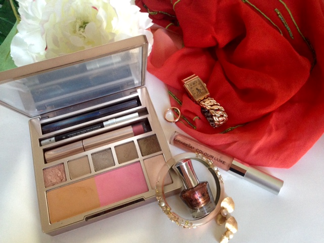 Rose Gold Spring Makeup, Nails and Accessories