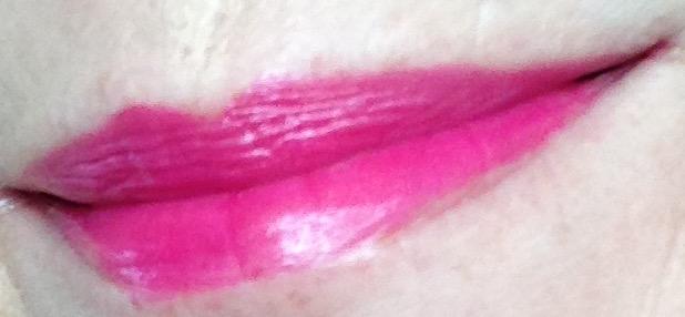 Bite-Beauty-lipstick-lingonberry-lips-swatch