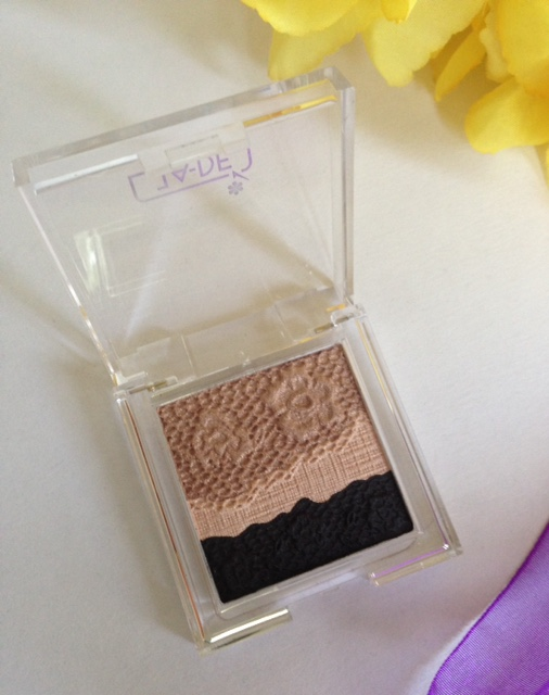 eye shadow closeup