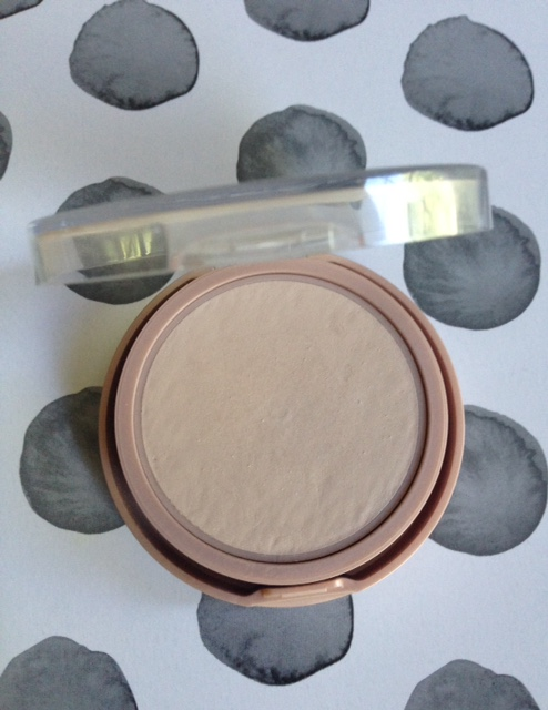 Maybelline Dream Wonder Powder, shade Porcelain/Ivory, pressed powder