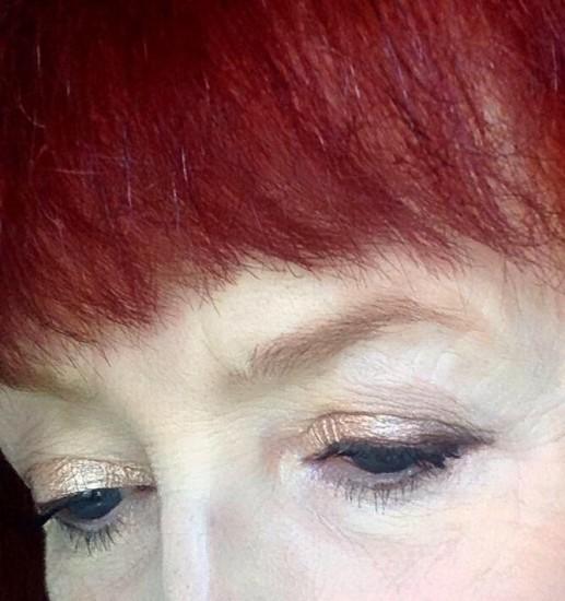 closeup Rimmel Scandaleyes metallic eyeshadow sticks
