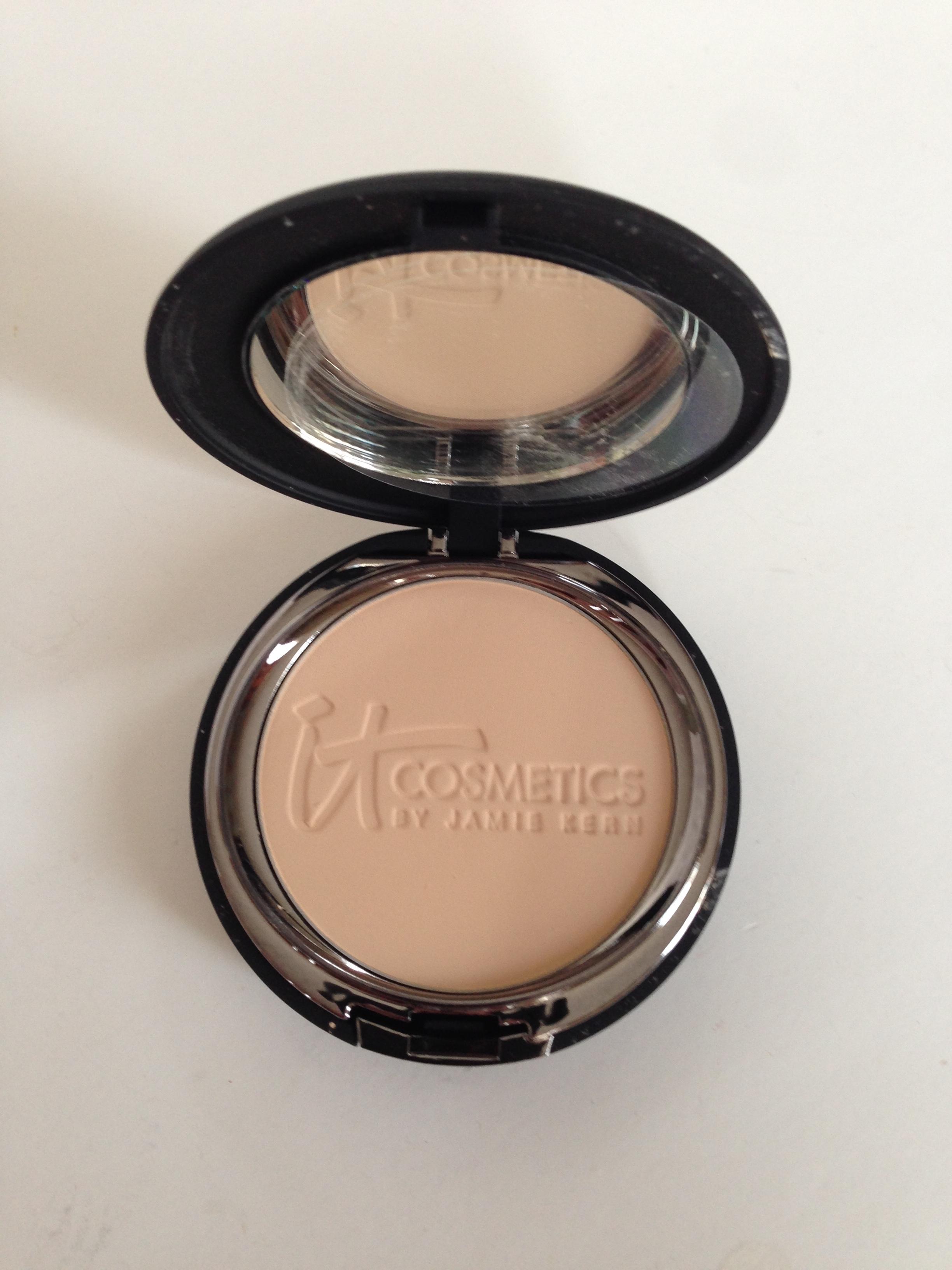 Foundation Cosmetics: Friday Find: IT Cosmetics Celebration Powder Foundation