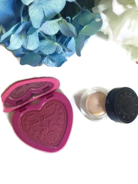 Too Faced Love Flush Blush: Your Love Is King, Becca Ultimate Coverage Concealer in Praline