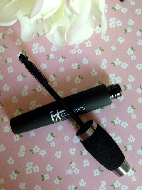 IT Cosmetics Hello Lashes Mascara wand neversaydiebeauty.com @redAllison