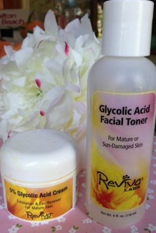 Reviva Labs Glycolic Acid Facial Toner, 5% Cream neversaydiebeauty.com @redAllison