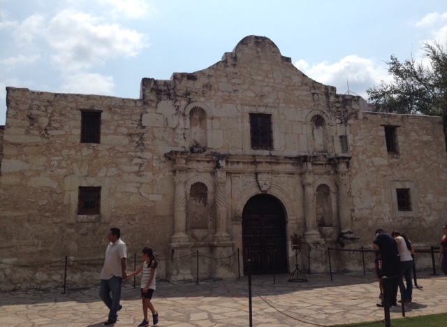 The Alamo San Antonio, neversaydiebeauty.com @redAllison