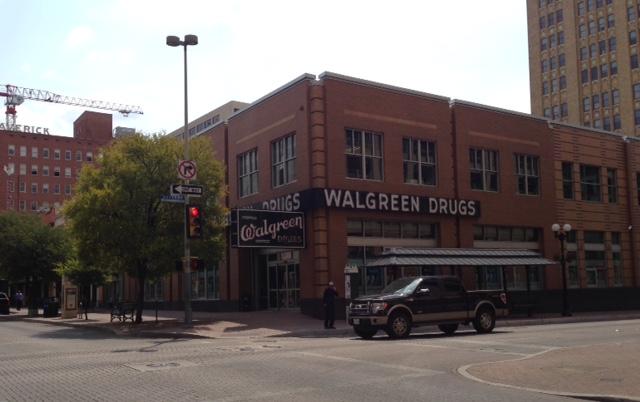 Walgreens drugstore San Antonio, neversaydiebeauty.com @redAllison
