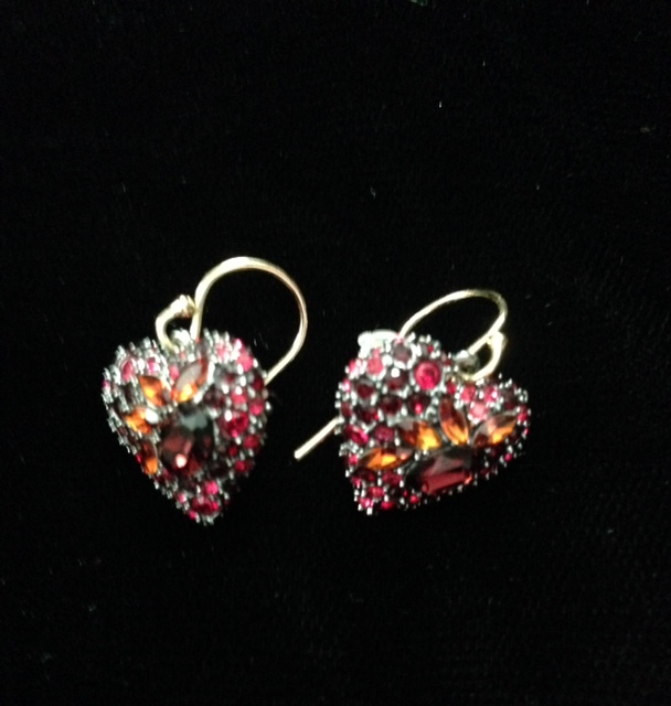 Alexis Bittar Black Cherry Heart earrings neversaydiebeauty.com @redAllison