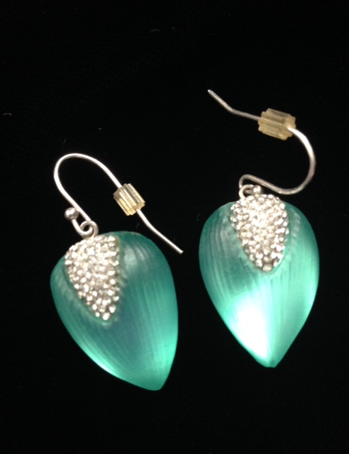 green lucite crystal Alexis Bittar earrings neversaydiebeauty.com @redAllison