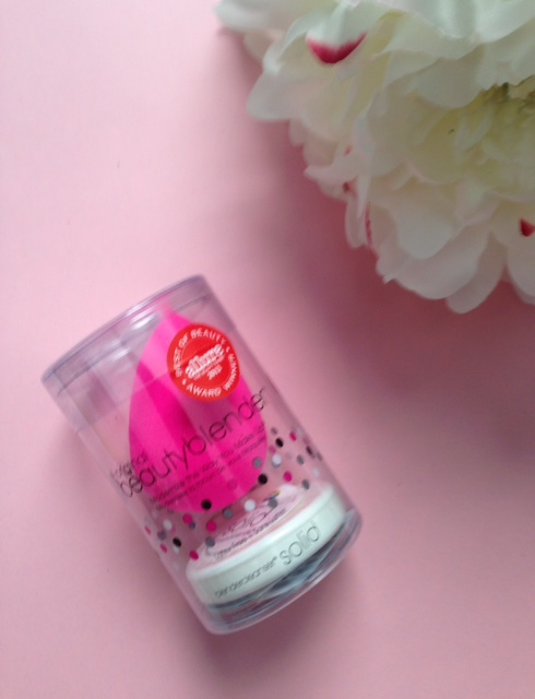 Beautyblender Blendercleanser Solid mini combination neversaydiebeauty.com @redAllison