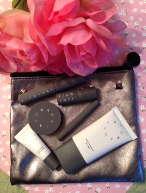Stowaway Cosmetics in a small makeup bag neversaydiebeauty.com @redAllison