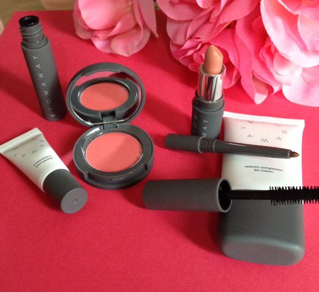 Stowaway Cosmetics kit neversaydiebeauty.com @redAllison