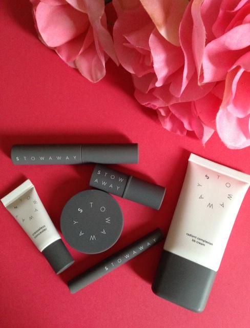 Stowaway Cosmetics makeup kit neversaydiebeauty.com @redAllison
