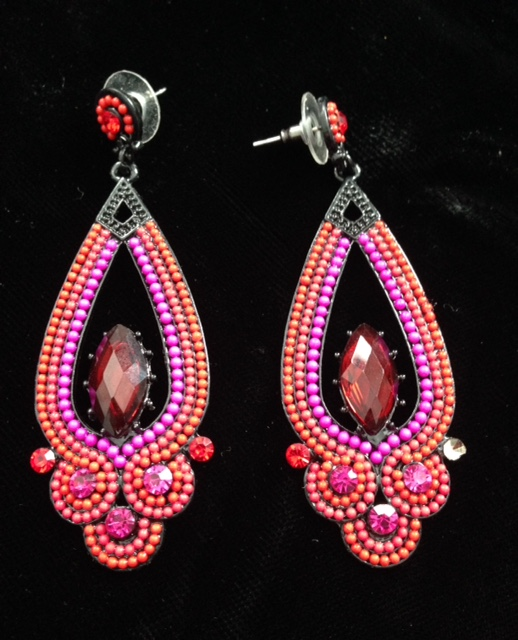 fashion earrings neversaydiebeauty.com @redAllison