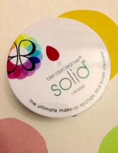 Beautyblender Cleanser Solid neversaydiebeauty.com @redAllison