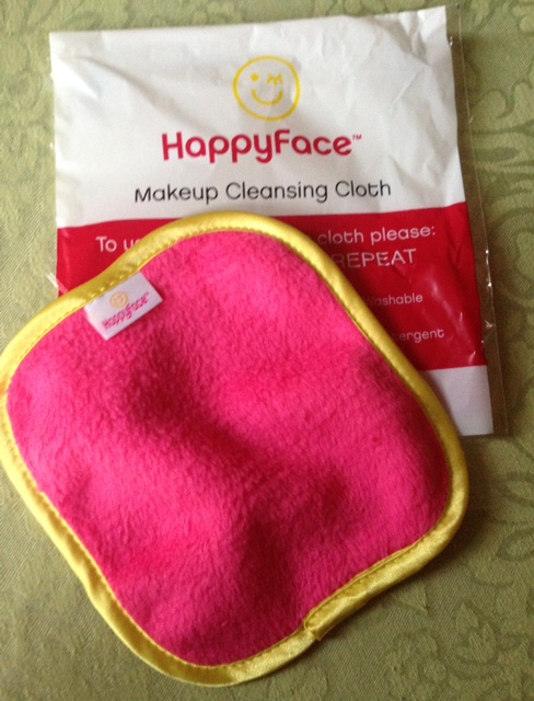 HappyFace Makeup Cleansing Cloth to remove makeup without makeup remover! neversaydiebeauty.com