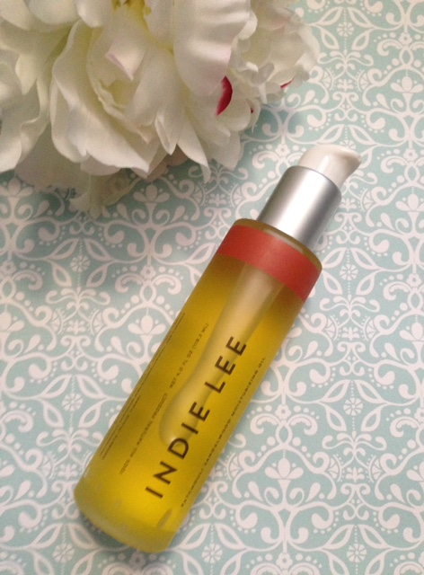 Softer Skin for the Holidays with Indie Lee Moisturizing Oils