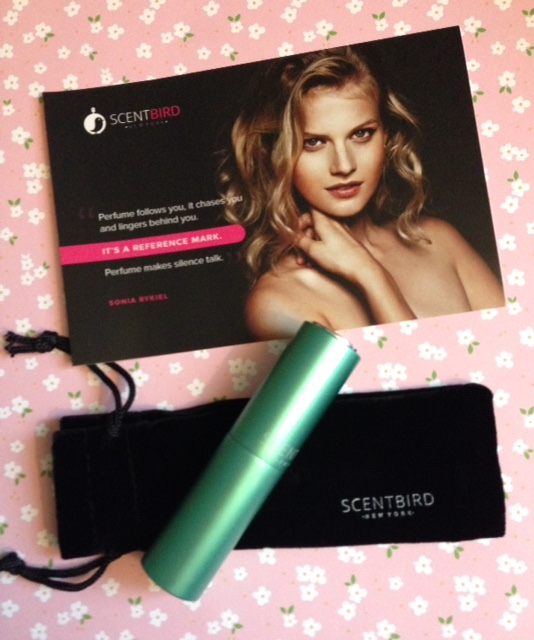Scentbird perfume subscription service green purse spray neversaydiebeauty.com @redAllison
