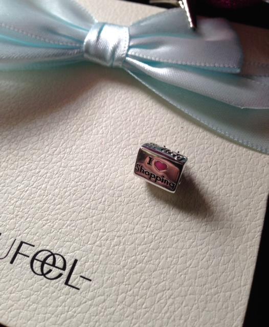 Soufeel purse charm details neversaydiebeauty.com @redAllison