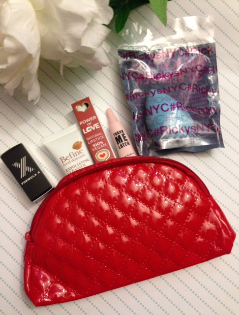 the contents of my ipsy glam bag December 2015 neversaydiebeauty.com @redAllison