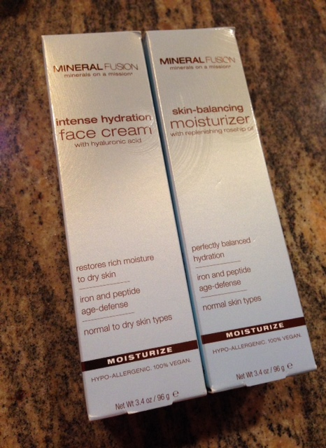 Facial moisturizers and mineral