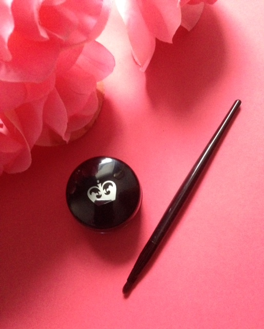 Rimmel Scandaleyes Waterproof Gel Liner & brush neversaydiebeauty.com @redAllison