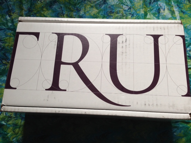 True & Co., lingerie, mailing box neversaydiebeauty.com