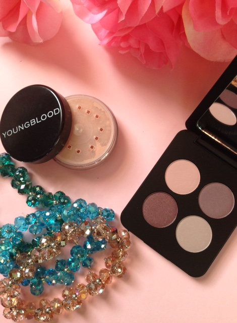 Youngblood blush & eyeshadow quad Vintage neversaydiebeauty.com @redAllison