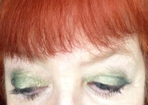 my eyes wearing 4 shades of green eyeshadow neversaydiebeauty.com @redAllison