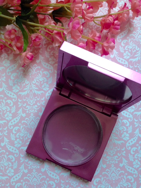 Mally Evercolor Poreless Face Defender open compact neversaydiebeauty.com @redAllison