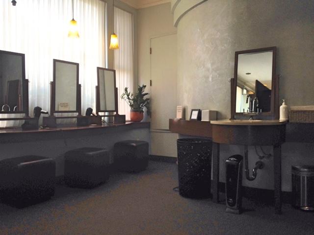 hair drying stations, locker room Bella Sante Spa Boston neversaydiebeauty.com @redAllison