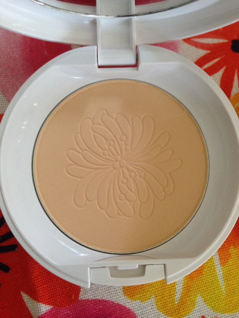 Paul & Joe Beaute Silky Pressed Powder, open compact with embossed powder pan neversaydiebeauty.com @redAllison