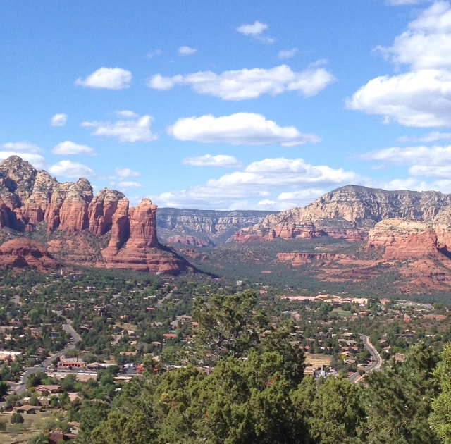 daytime view of Coffee Pot red rocks Sedona AZ neversaydiebeauty.com