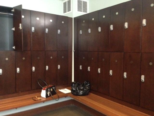 locker room Bella Sante Spa Boston neversaydiebeauty.com @redAllison