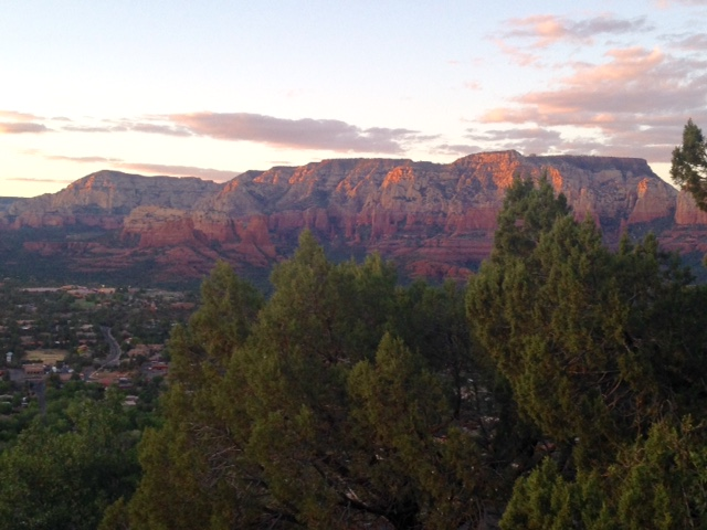 sunset view, red rocks Sedona AZ neversaydiebeauty.com
