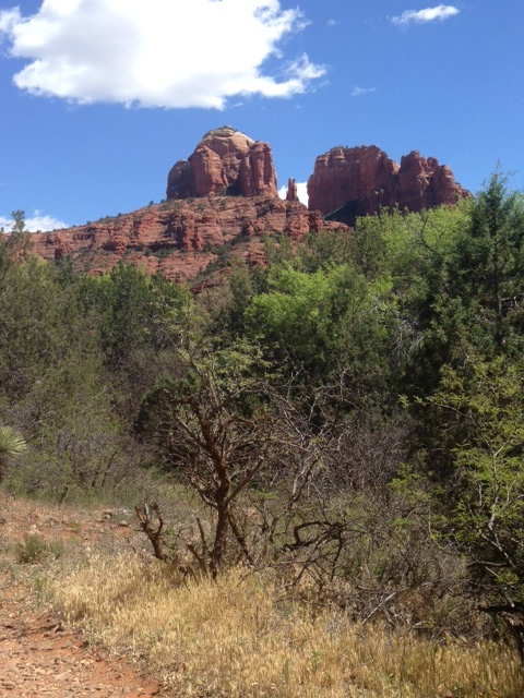 view of Cathedral Rock from trail at Crescent Moon Park Sedona AZ neversaydiebeauty.com