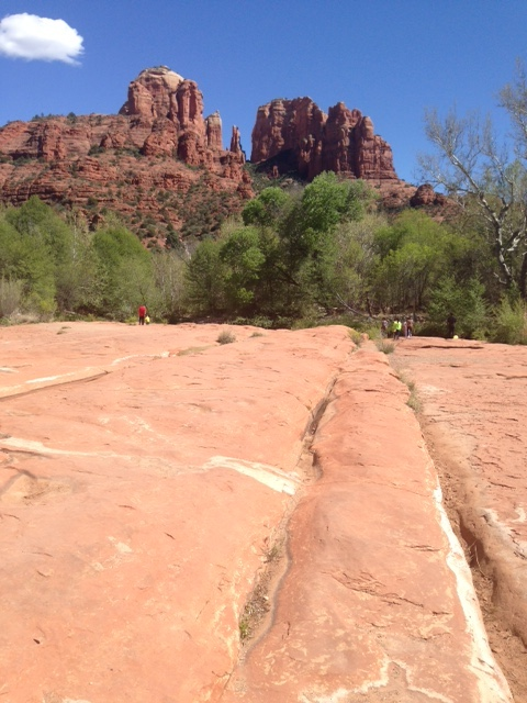 view Cathedral Rock from the flat rocks, Crescent Moon Park Sedona AZ neversaydiebeauty.com