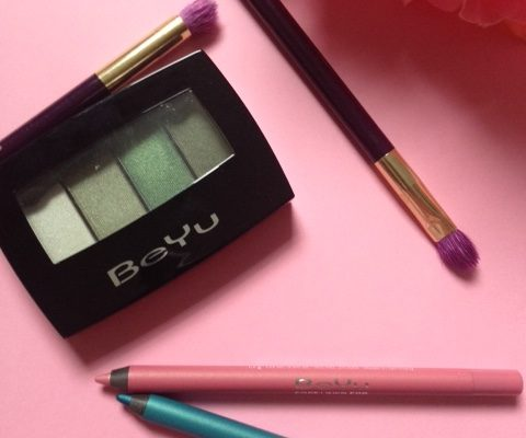 BeYu Cosmetics Color Catch eyeshadow quad #303 with Soft Liner 588 (shell pink) & 667 (turquoise) neversaydiebeauty.com @redAllison