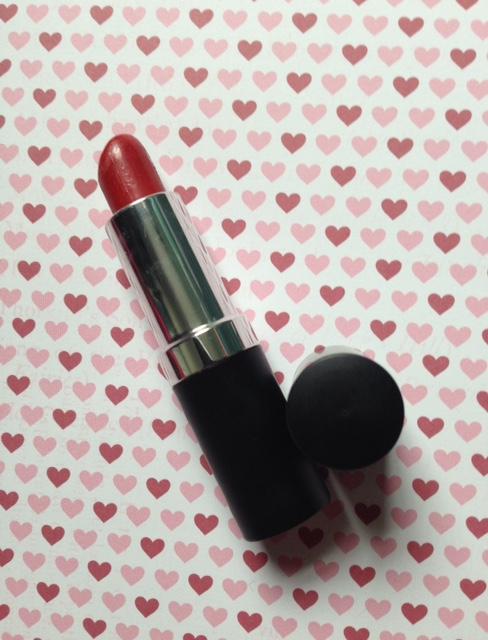 MojoSpa Strawberry Cream Mineral Lipstick neversaydiebeauty.com @redAllison