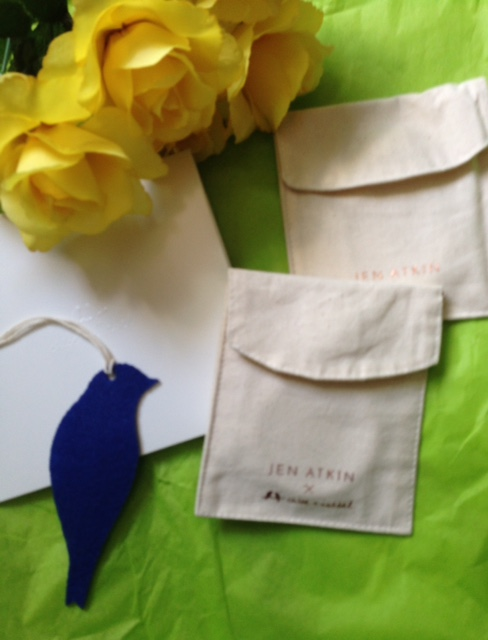 Chloe + Isabel hair accessories barrette pouches neversaydiebeauty.com @redAllison