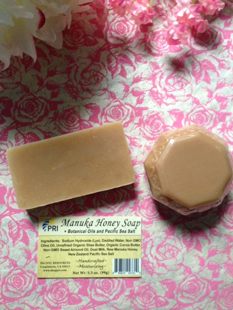 unwrapped natural manuka honey soaps from Pacific Resources Intl unwrapped neversaydiebeauty.com @redAllison