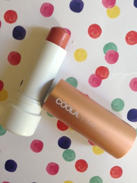 Coola Mineral Liplux SPF 30 Tan Line in Rich Coral neversaydiebeauty.com @redAllison