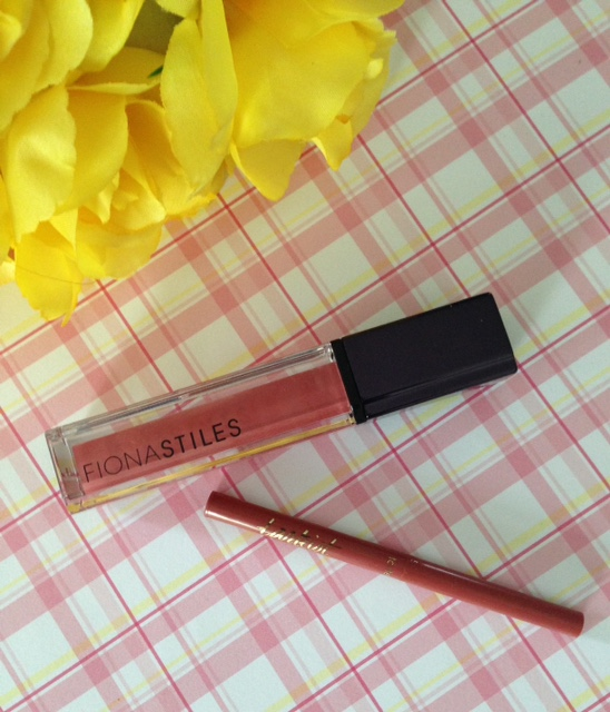 Fiona Stiles Ultrasuede High Intensity Lip Color in Lenox & Tarteist Lipliner in Latergram neversaydiebeauty.com @redAllison